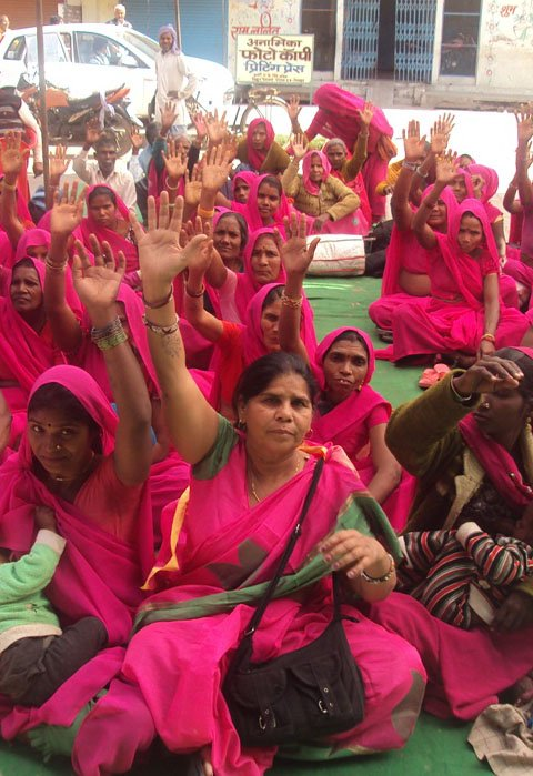 welcome to Gulabi Gang